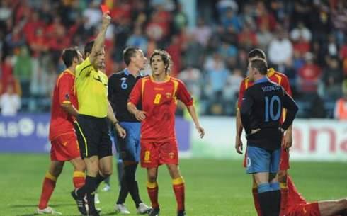 wayne rooney red card